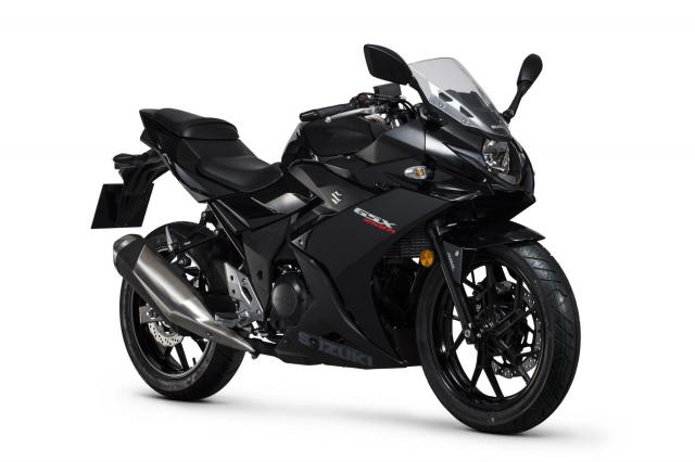 gsx250r-black